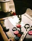 sewing Naaimachine en hulpmiddelen royalty-vrije stock afbeeldingen