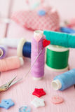 Sewing yarn with pins Royalty Free Stock Photography