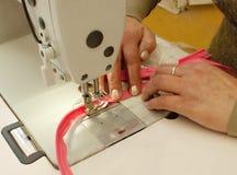 Sewing zippers (ascendentes próximos) Imagem de Stock
