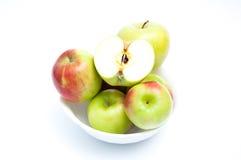 Sex äpplen i en bunke Royaltyfria Foton
