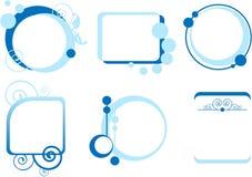 Sex beskrivningsaskar i blått Arkivfoton