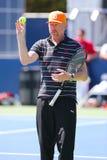 Sex mästare Boris Becker som för storslagen Slam för tider arbeta som privatlärare åt Novak Djokovic för US Open 2014 royaltyfria bilder