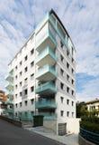 Sex moderna byggnad för golv, yttersidor Royaltyfri Bild
