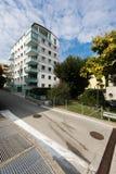 Sex moderna byggnad för golv, yttersidor Fotografering för Bildbyråer