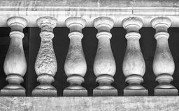 Sex pelare Arkivbilder