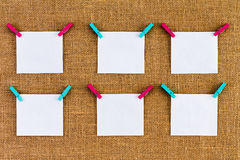 Sex trevligt arrangera i rak linje tomma vita notepads Royaltyfri Bild