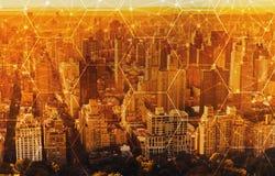 Sexhörningsraster med flyg- sikt av NY-horisont royaltyfri bild