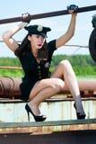 Sexig attraktiv poliskvinna Arkivfoton