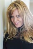 Sexig blond damunderklädermodell Arkivbilder
