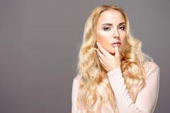 sexig blond flicka Royaltyfri Foto