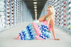 Sexig blond flickamodemodell Royaltyfria Bilder