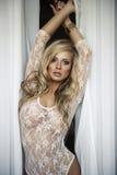 Sexig blond kvinna Arkivfoto