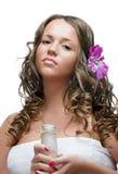 sexig brunnsort för brunettskönhetsmedelflicka arkivfoto