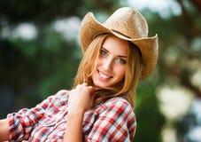 Sexig cowgirl. Royaltyfria Bilder