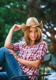 Sexig cowgirl. Arkivbild