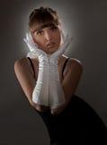 Sexig flicka i vithandske Arkivfoton