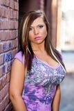 Sexig flickamodemodell med brunt hår Arkivbild