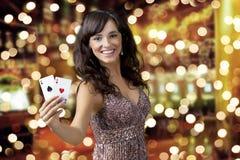 Sexig härlig ung flicka i kasino Fotografering för Bildbyråer