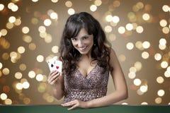 Sexig härlig ung flicka i kasino Royaltyfria Foton