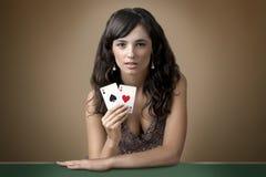 Sexig härlig ung flicka i kasino Arkivfoton