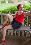 sexig kvinna för bänk Royaltyfria Foton