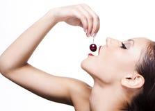 sexig kvinna för Cherry arkivbild