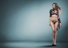 sexig kvinna för damunderkläder Arkivfoto