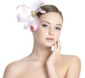 sexig kvinna för härlig head lilja Arkivfoton