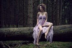 sexig kvinna för naturlandskap Arkivfoto