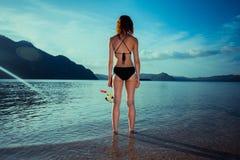 Sexig kvinna med att snorkla kugghjulet Arkivfoton