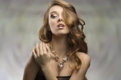 Sexig modekvinnlig för glamour Royaltyfri Bild