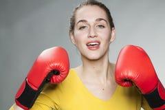 Sexig 20-talkvinna som är villig att slåss för framgång Royaltyfria Foton
