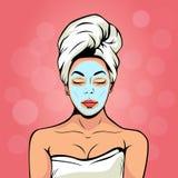 Sexig ung kvinna i badlakan med den kosmetiska maskeringen på hennes framsida Pop Art Vector Illustration stock illustrationer