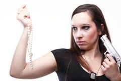Sexig ung kvinna - vapenpärla som isoleras på vit Fotografering för Bildbyråer