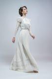 sexig vit kvinna för klänning royaltyfri bild