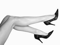 sexiga höga ben för häl Arkivbild