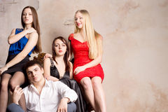 Sexiga kvinnor med manen Royaltyfri Bild