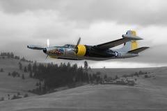 Sexigt stämma att flyga iväg för angripare A-26 arkivbilder