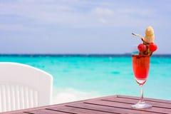 Sexo del coctel en una playa Foto de archivo