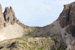 Sexten-Dolomit-Bergpanorama und alpine Hütte Rifugio Carducci in Süd-Tirol Stockfoto