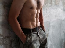 Sexy abs gespierd mannelijk torso zes pak opleidingspasvorm royalty-vrije stock fotografie