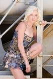 Sexy blond maniermeisje stock foto's