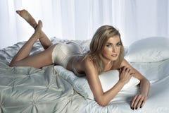 Sexy blonde Damenaufstellung Lizenzfreie Stockbilder