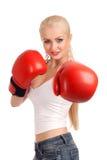 Frau mit Boxhandschuhen Lizenzfreie Stockfotografie