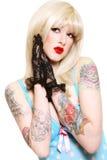 Sexy blonde met tatoegeringen Stock Afbeeldingen