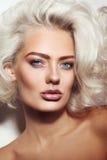 Sexy blonde Schönheit Stockfotografie