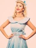 Sexy blonde speld op vrouw royalty-vrije stock fotografie