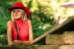 Sexy blonde veedrijfster Stock Afbeeldingen