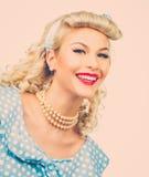 Sexy blonder Stift herauf Frau Lizenzfreies Stockfoto