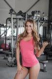 Sexy Bodybuildertraining Stockbild